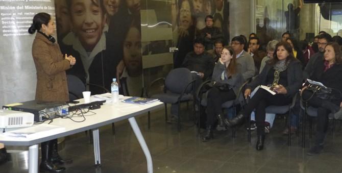 Rojas, de Niños del Milenio, se presentó en Jueves de Investigación del DIDE/ Minedu