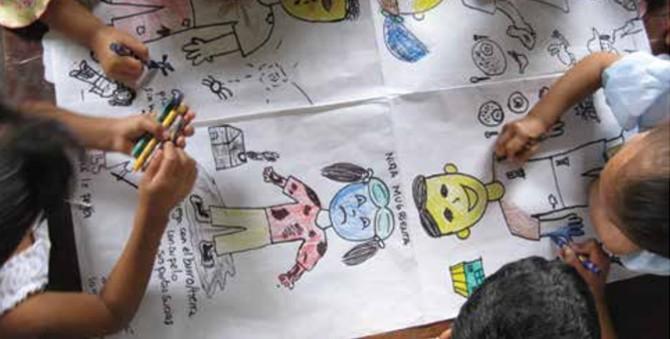 """""""Explorando lo que piensan los niños de estar bien y estar mal"""" En Pasos para involucrar a los niños en la investigación"""